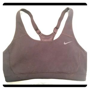 Nike sports bra size small